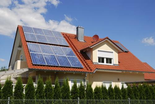 Panneaux photovoltaïques sur maison